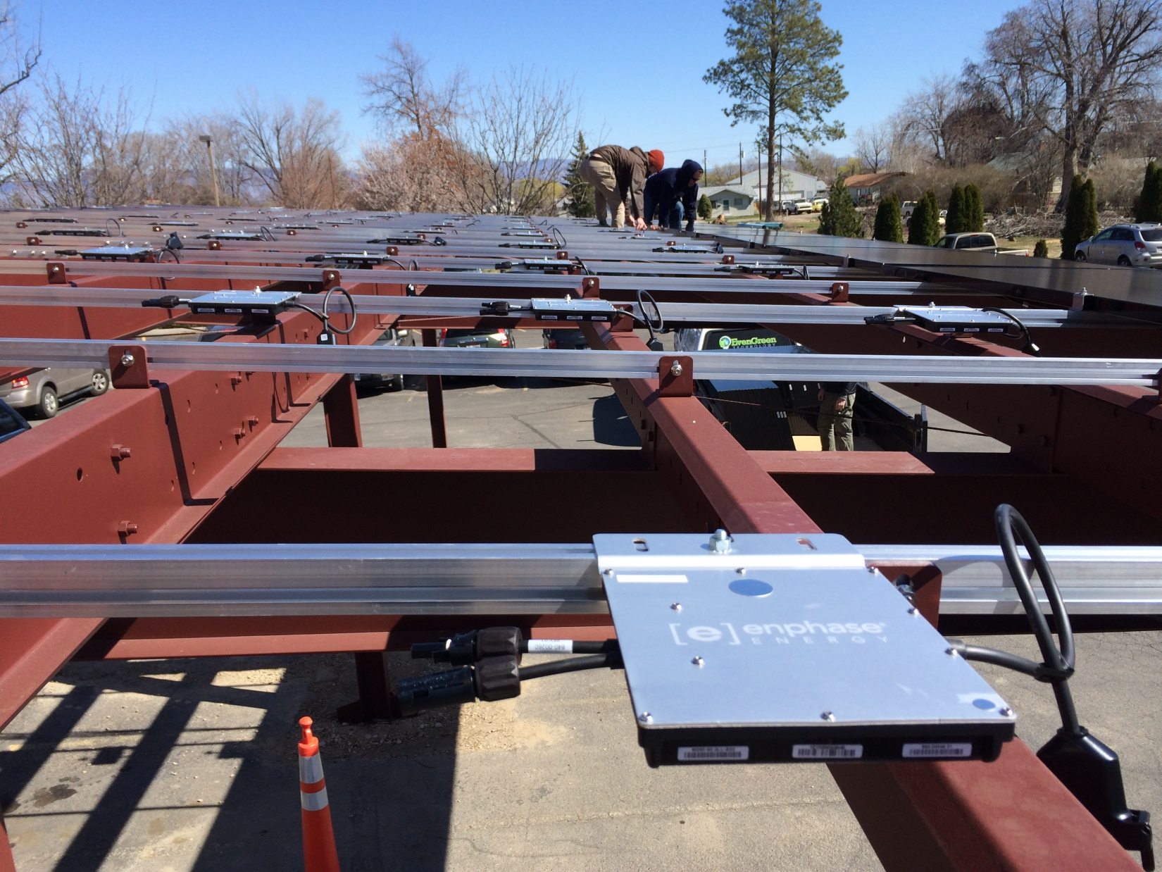 Solar carport idaho pascal steel buildings for Rv covered parking structures
